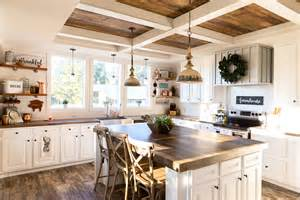 Best What Makes A Farmhouse Style Home Awesome