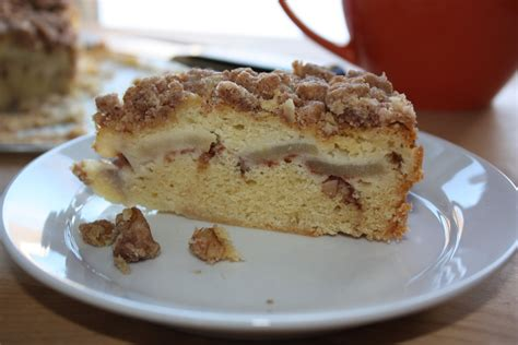 Stir this dry mixture into the batter and mix. Danger Kitten Bakes: Rose's Apple Sour Cream Crumb Cake