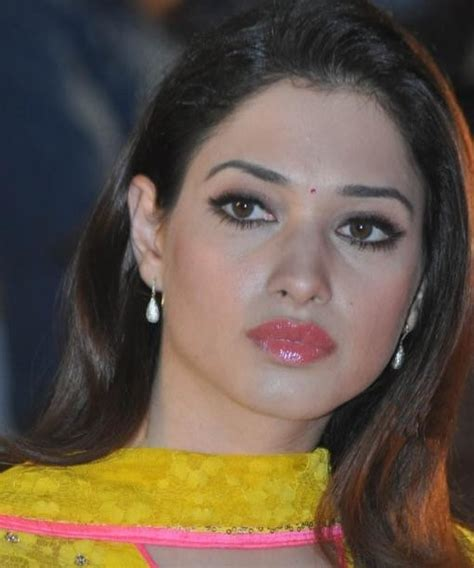 tamanna bhatia    face close  stills