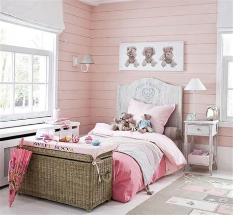 tenture chambre b idée déco dix chambres roses de fille