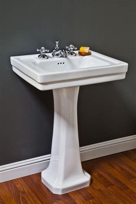 Bathroom Pedestal Sinks Ideas by 25 Best Ideas About Pedestal Sink On Pedestal
