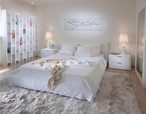 Decorating Ideas For Bedroom by 4 Modern Ideas To Add Interest To White Bedroom Decorating