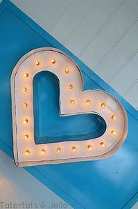 Tableau Lumineux Lettre : beadboard and metal marquee letter heart tutorial 39 s pinterest tableau ~ Teatrodelosmanantiales.com Idées de Décoration