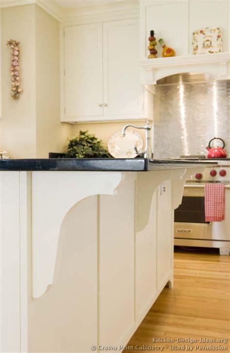 cottage kitchen design ideas cottage kitchens photo gallery and design ideas