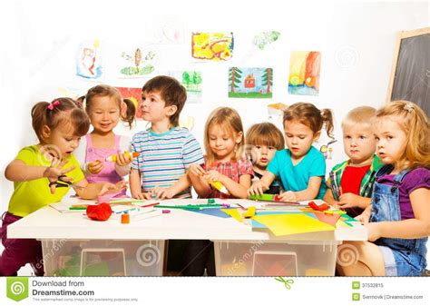 art class for preschoolers many drawing and gluing stock image image of paint 517
