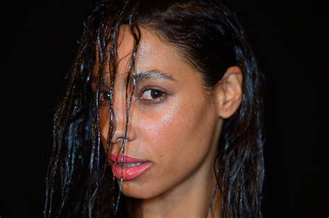 7 Wet Hairstyles To Sleep In That Will Make Mornings A