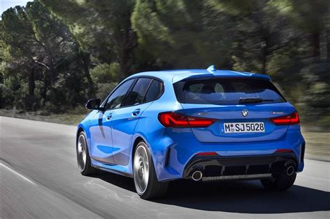 The same holds true for its superior interior, defined as open and modern. BMW 1 Series 2019 - Car Review | Honest John
