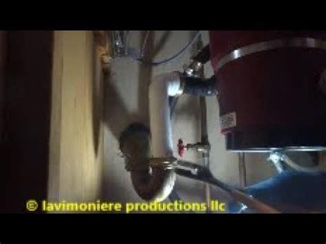 kitchen sink leaks at drain drain leaking kitchen sink disposal noise 8510