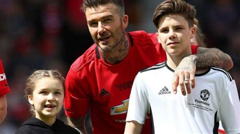 Photo: Beckham family will be supporting Spurs against ...