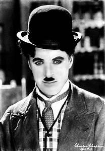 Tramp in Traini... Charlie Chaplin