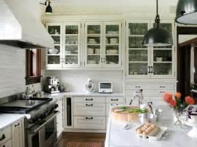 glass pendant lights for kitchen island 30 bright and white kitchens kitchen designs choose