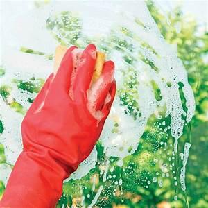 Nettoyer Vitres Extérieures Inaccessibles : laver les vitres laver les vitres avec du papier journal envie de plus france la technique ~ Dode.kayakingforconservation.com Idées de Décoration