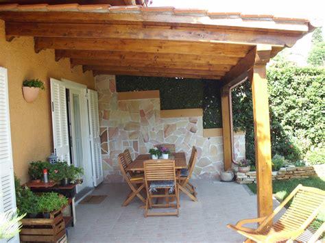 foto di tettoie in legno immagini tettoie in legno