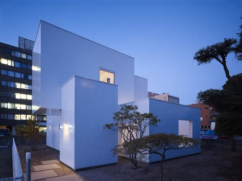 minimalist japanese house ultra minimalist house made of boxes in japan digsdigs