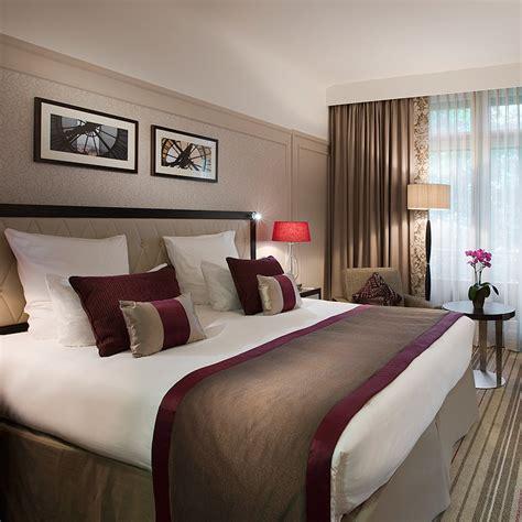 femme de chambre hotel de luxe davaus chambre d hotel de luxe belgique avec des
