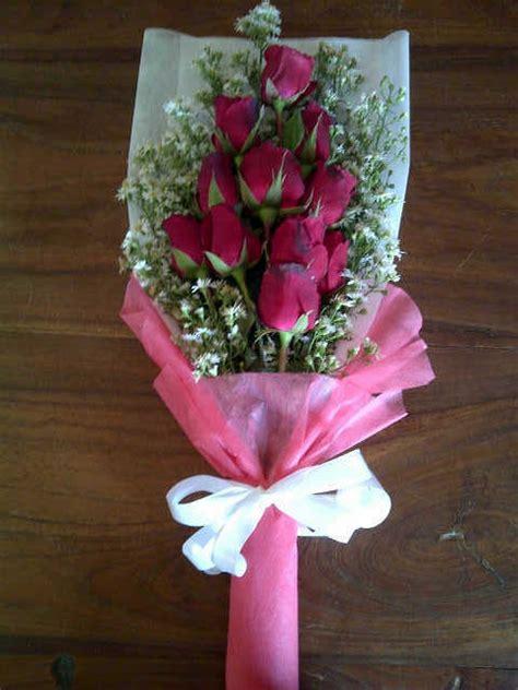 jual bunga buket  wisuda  hand bouquet  ulang  pacar  solo prestisacom