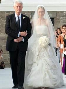 Revealed chelsea clinton39s two vera wang wedding dresses for Chelsea clinton wedding dress