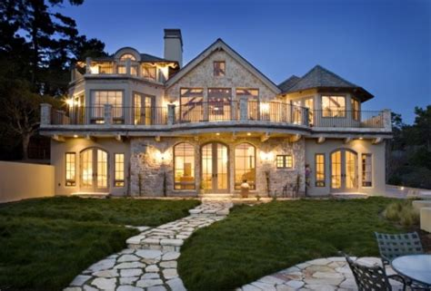 Like-the-france-traditional-exterior-530x359.jpg (530×359