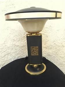Eileen Gray Lampe : le coin brocante notre catalogue lampe jumo eileen gray ~ Markanthonyermac.com Haus und Dekorationen
