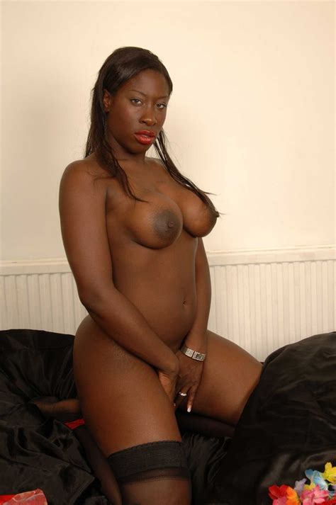 Melvina Raquel Spreading Her Shaved Black Pussy 1 Of 1
