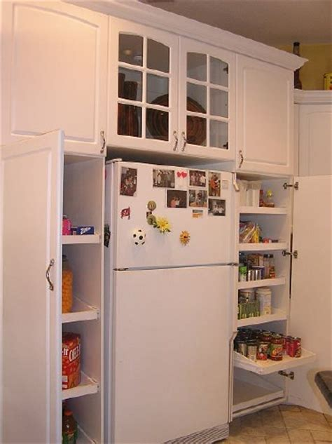 Pictures/Ideas of kitchen cabinet pantries