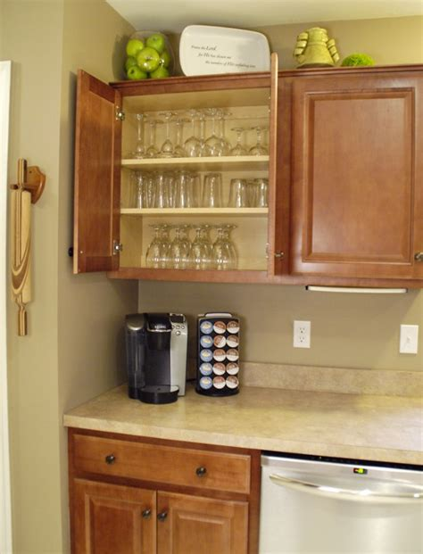 how to best organize kitchen cabinets how to organize your kitchen living rich on lessliving 8504