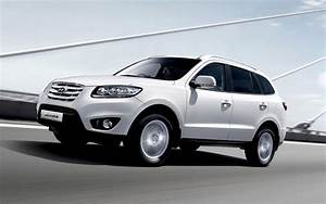 Hyundai Sante Fe Mid-Size Crossover SUV Car Pictures and