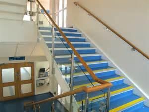 treppen abschleifen neues treppengeländer holz kosten bvrao