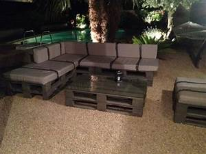 Fauteuil En Palette Facile : divano con i pallet costruire un divano con i bancali 20 idee fai da te ~ Melissatoandfro.com Idées de Décoration