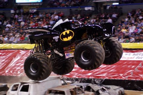monster jam batman truck monster trucks batman www pixshark com images