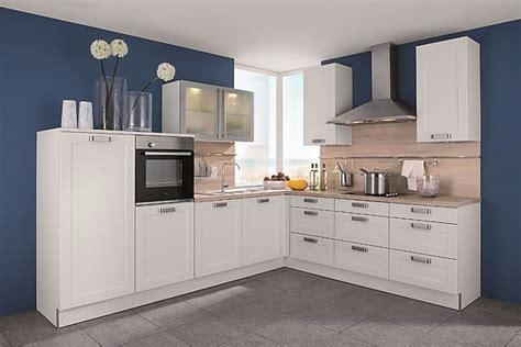Inpura-musterküche Kleine Küche Mit Viel Stauraum Lotus