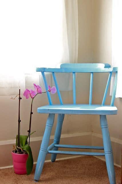 repeindre une chaise en bois repeindre des chaises en bois é et conseils pratiques