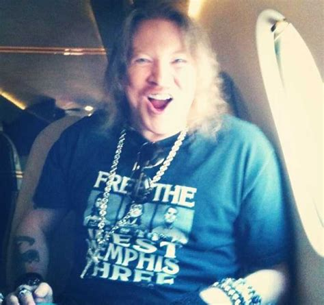 axl rose still alive how have all the recent deaths affected axl rose guns n