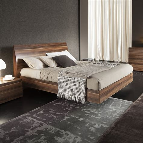 rossetto vela king platform bed  walnut