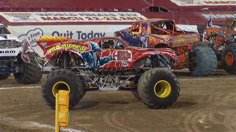 monster truck shows in florida monster jam in everbank field jacksonville fl 2013