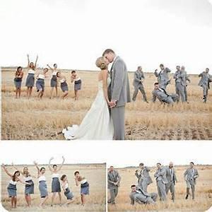 Richtig Coole Bilder : richtig coole hochzeitsfoto idee mit den trauzeugen brautjungfern groomsmen braut ~ Eleganceandgraceweddings.com Haus und Dekorationen