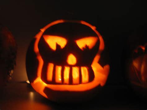 Halloween Faces For Pumpkins Carving by Skull Amp Bones Christine Chanhsamone Amp Wensi Zhou 23 6
