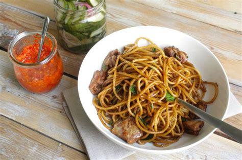 cuisine javanaise recette simple et délicieuse du bami nassi guyanais