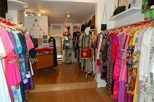 Vintage, Second, Hand, And, Charity, Shops, In, Bath