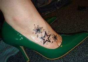 28 Cute Tattoos On Feet - CreativeFan