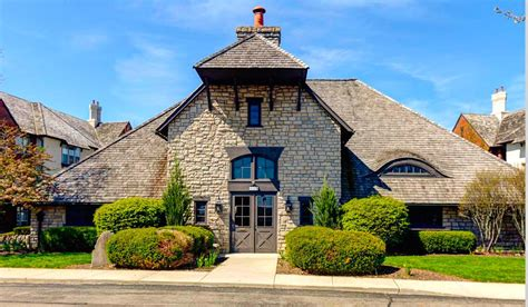 Premier Dublin Ohio Condo For Rent » Vip Realty Luxury Ranch House Plans For Entertaining Grohe Kitchen Faucets Repair With Elevators Two Bedroom Cabin Four Floor Master Free Blueprint Maker Mansion Floorplans