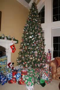 my mickey mouse christmas tree navidad pinterest