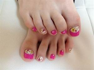 Pretty Pedicure Nail Art Ideas for 2012.