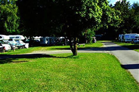 wohnmobilstellplatz englischer garten münchen cingplatz m 252 nchen 187 cing mit zelt wohnmobil oder