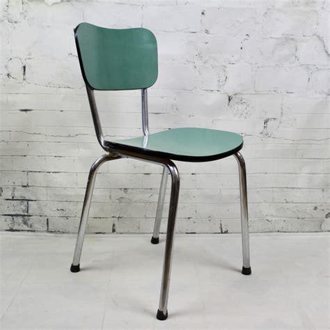 chaise en formica chaise de cuisine en formica bleu pied compas vintage