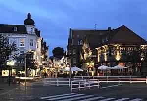 Von Have Bergedorf : nachtaufnahme von hamburg blaue stunde foto aus dem ~ Watch28wear.com Haus und Dekorationen