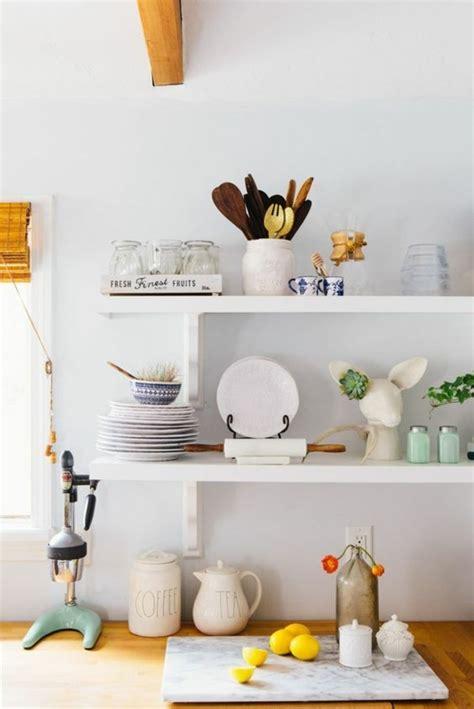 rangement etagere cuisine le rangement mural comment organiser bien la cuisine