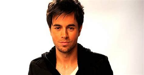 Five minutes with a... sex god: Enrique Iglesias - Mirror ...