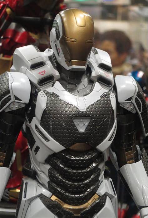 iron man  hot toys iron man gemini armor mark   sdcc
