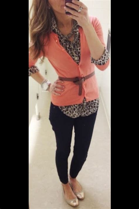 Best 25+ Receptionist outfit ideas on Pinterest   Fall professional outfits Fall office outfits ...